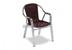 silla de terraza marrón