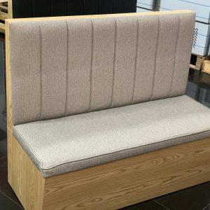 sofa madera gris